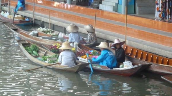 P1050547 Floatting Market Dumnoen Saduak