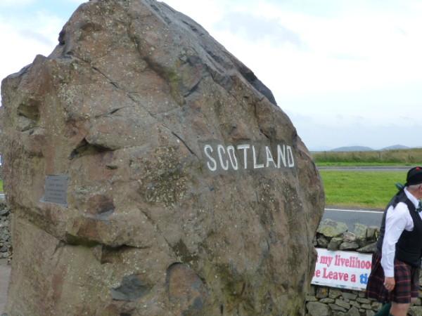 P1000632 Frontière écossaise