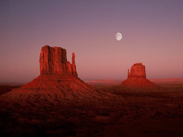 moonrisemonumentvalleyutah.jpg